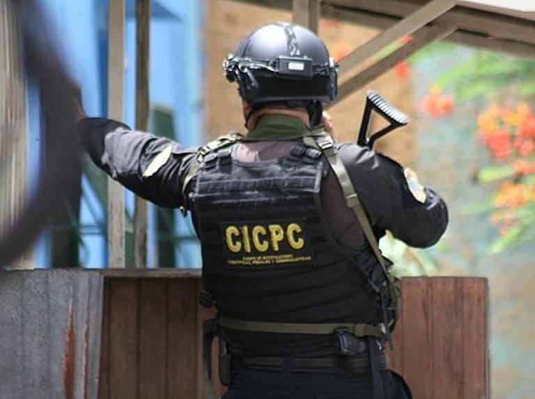 Enfrentamiento-en-petare-entre-funcionarios-y-delincuentes-