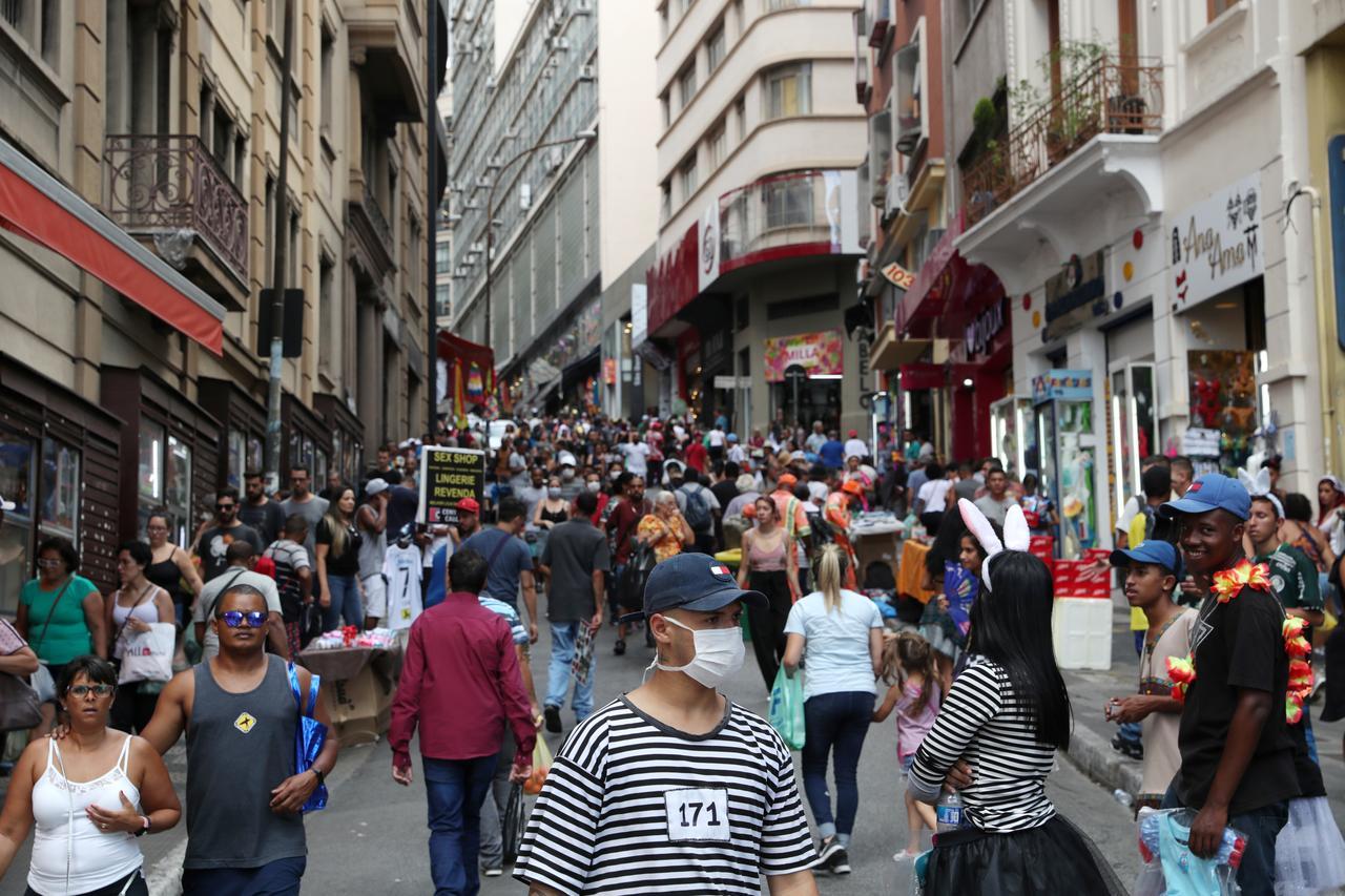 Ciudades-reactivan-comercios-en-Sao-Paulo