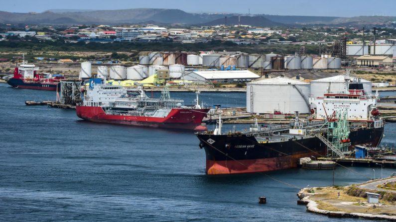 Los residuos en el crudo y el retraso en los embarques trae problemas a Pdvsa y su imagen cae aún más