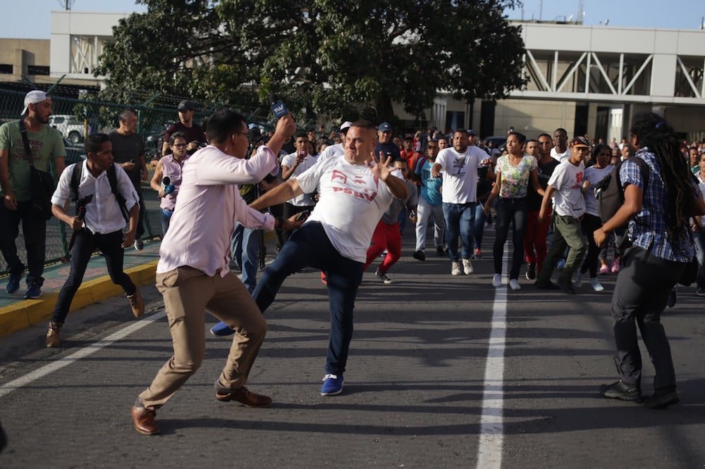 El Parlamento denunció las cientos de agresiones del régimen contra los trabajadores de la prensa