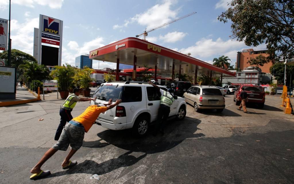 La escasez de gasolina en la capital del Zulia se presenta cuando faltan unos días para el inicio de la