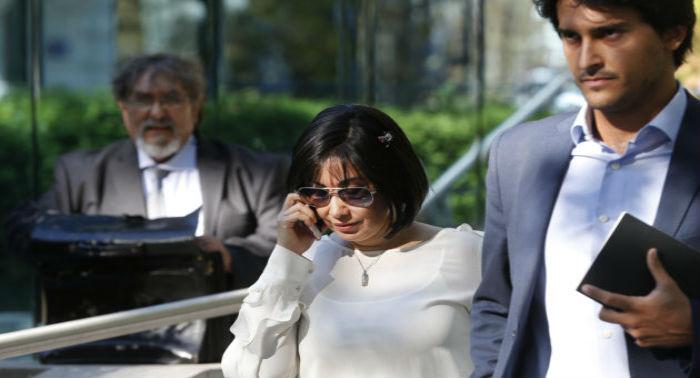 Claudia Díaz, exenfermera de Chávez y quien luego fuera tesorera, como premio a sus servicios, amasó una fortuna que convirtió en lingotes de oro valorados en casi 10 millones de dólares