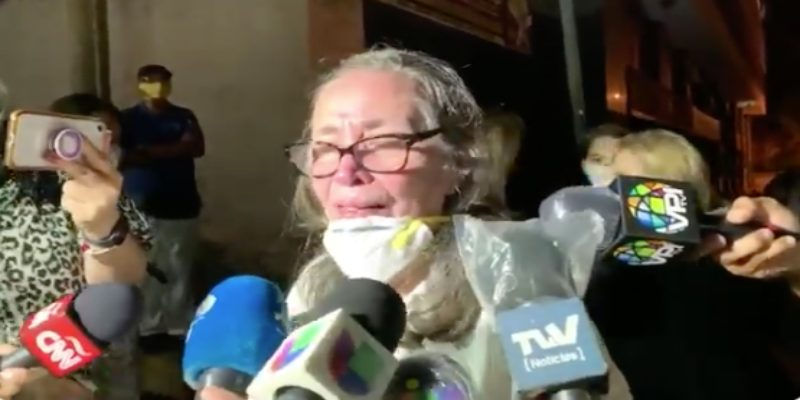 Antonia Turbay, la vecina de Simonovis que llora sin control a ser liberada