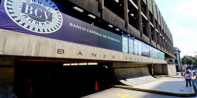 BCV suspende servicios que faciliten pagos en dólares