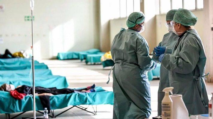 La ONG Médicos Unidos por Venezuela reportó la muerte de otros 5 galenos en los últimos 5 días, a causa de la COVID-19. Con estas muertes, aumenta a 242 el número de trabajadores de la salud fallecidos por la enfermedad.