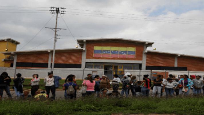 La escasez de agua desató el caos en el anexo femenino del Centro Penitenciario David Viloria (Uribana), en el estado Lara. La reyerta se originó por un tobo con agua y fue tal que dejó el saldo de una custodia herida y varias reclusas golpeadas, según la Prensa de Lara.