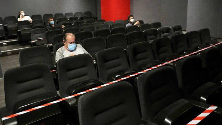 El gerente general de Cinex, José Galarraga, informó que es probable que las salas de cine abran al público. Si lo hacen, será con un aforo entre 30% y 50%.