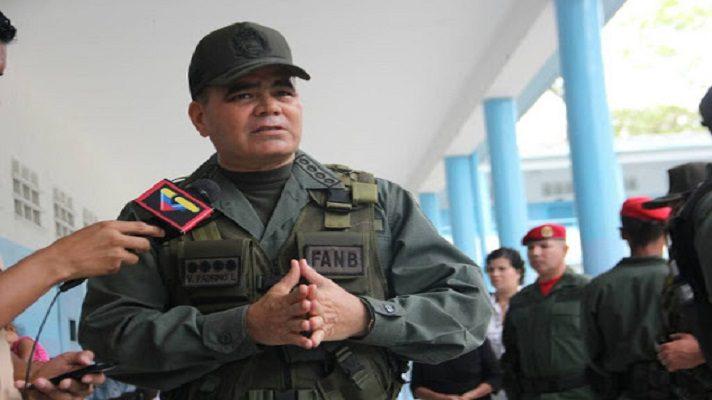 Vladimir Padrino López, ministro de la Defensa de Nicolás Maduro, se convirtió en una figura con varias apariciones en escena sobre el tema electoral. Antes y después de los comicios, el titular castrense hizo algo inusual en estas contiendas.