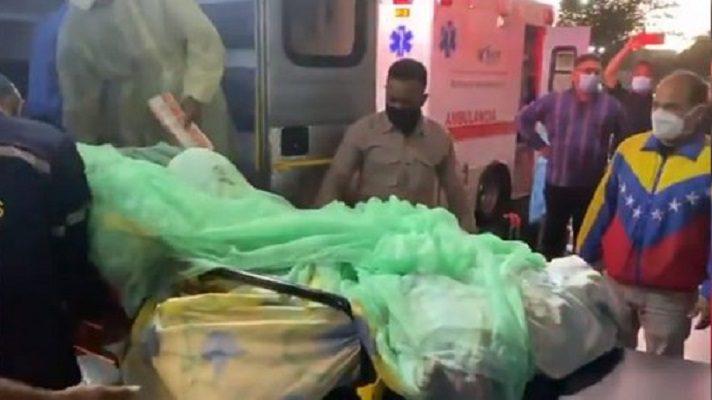 Este domingo trasladaron a un grupo de pacientes quemados en la explosión en Monagas. Los llevaron al hospital central de Ciudad Bolívar a algunas clínicas privadas en Maturín.