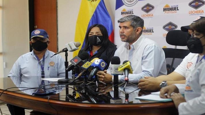 El alcalde de Lechería, Manuel Ferreira, anunció la activación del operativo de seguridad Carnaval 2021. Foto cortesía