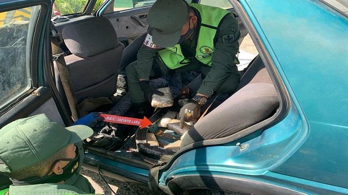 Efectivos de la Guardia Nacional en Carora, durante una requisa, detectaron que una adolescente y un hombre transportaban más de 14 kilos de droga.