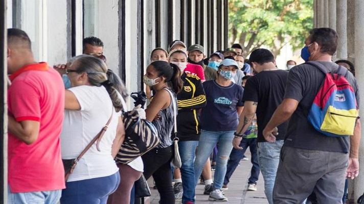 El 80 % de las camas de las unidades de cuidados intensivos (UCI) de Venezuela están ocupadas. Tanto el sistema de salud público como el privado