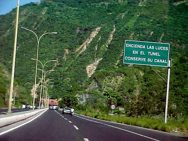 Dos-muerto-caer-gandola-viaducto-Caracas-La Guaira