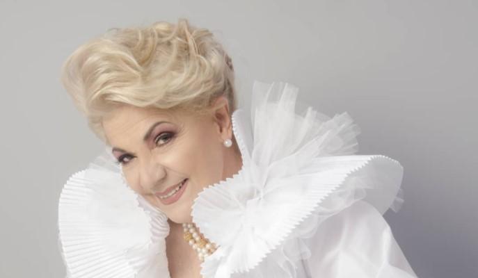 Mirla Castellanos celebra sus 80 años