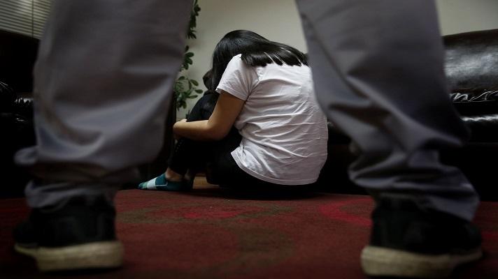 En el sector La Invasión de La Puente, en el estado Monagas, detuvieron a un sujeto que abusaba sexualmente de su propia hija, desde los 9 años. La jovencita tiene ahora 16 y se armó de valor para confesar las aberraciones de su progenitor.