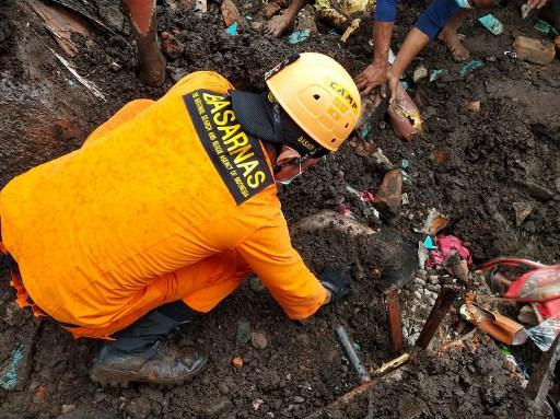ciclon-seroja-arraso-con-todo-mas-de-100-muertos-y-decenas-de-desaparecidos-en-inundaciones-en-indonesia