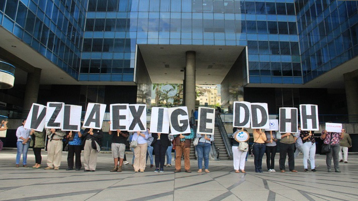 La administración de Nicolás Maduro pone otra traba a las ONG defensoras de Derechos Humanos. Ahora, estas organizaciones tienen que registrarse en la Oficina contra la Delincuencia Organizada y Financiamiento al Terrorismo.