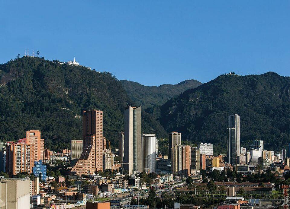 Bogotá vuelve a la virtualidad total para clase en colegios y universidades.