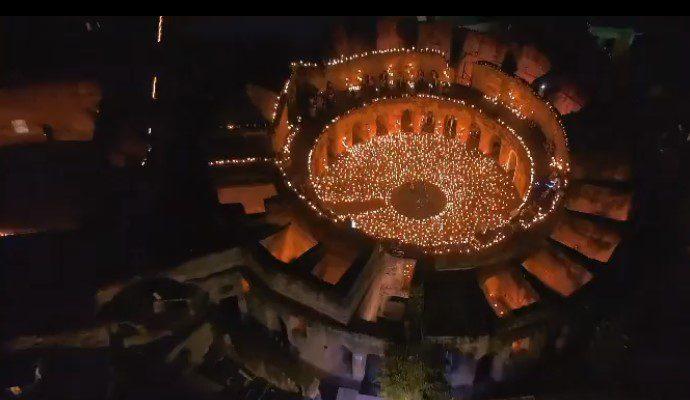 Arjona rompe récord con su concierto a la antigua