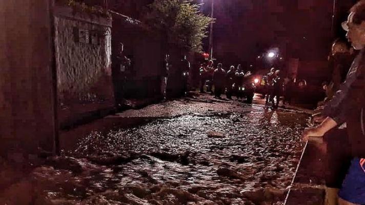 Fuertes lluvias en Mérida generó desalojo de viviendas por desbordamiento de quebrada