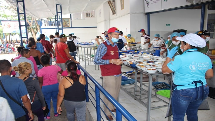 En Colombia, principalmente en Cúcuta, han surgido ONG o grupos de personas que se dedican a apoyar a los migrantes venezolanos.