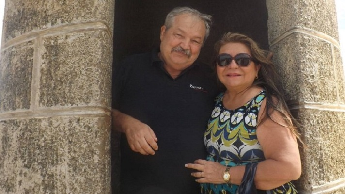 Un crimen horrible conmocionó a los habitantes en la urbanización Monte Bello en Maracaibo, estado Zulia. Asesinaron a puñaladas a una pareja de abuelos para quitarles unos 500 dólares.