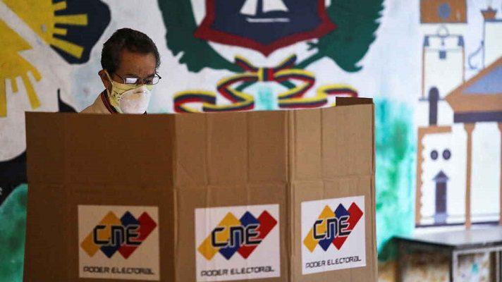 A pesar de que sabe que no hay condiciones, la mayoría de los venezolanos quiere expresarse votando. La afirmación la hizo el director de la firma encuestadora Delphos, Félix Seijas.