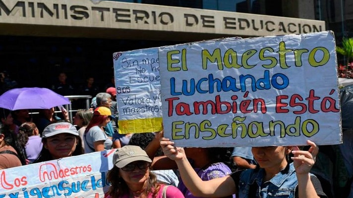 El magisterio venezolano manifiesta su gran preocupación por la posible promulgación de una Ley del Ejercicio de la Profesión Docente. Se trata de un instrumento que viola la Constitución y representa un