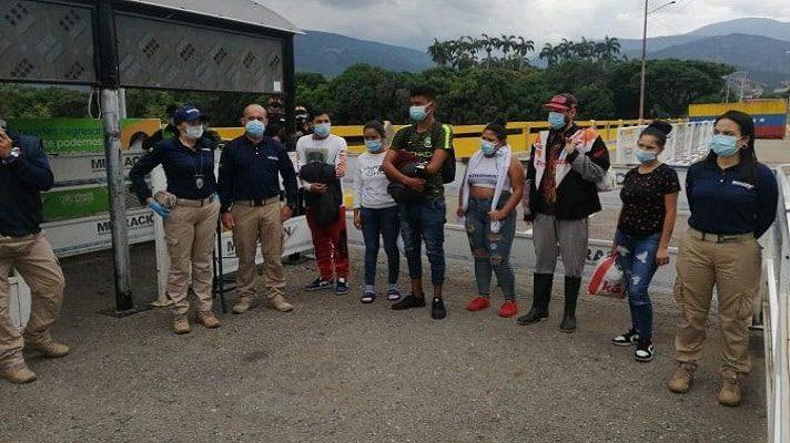 El ministro de Defensa de Colombia, Diego Molano denunció la participación de ciudadanos venezolanos en los bloqueos y protestas.