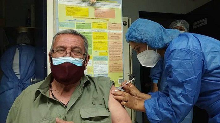 La administración de Nicolás Maduro puso marcha este sábado la segunda fase de la vacunación contra la COVID-19. Se trata de la habilitación de 27 centros de vacunación en 22 entidades del país. La información la dio a conocer el viceministro de Insumos y Tecnología del Ministerio de Salud, Gerardo Briceño.