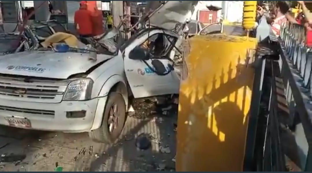 Camioneta explota mientras se surtía de gas en Carabobo
