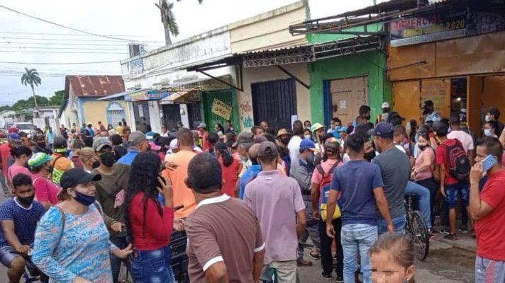 protestan-en-guasipati-porque-comerciantes-no-quieren-recibir-el-billete-de-bs-50-000