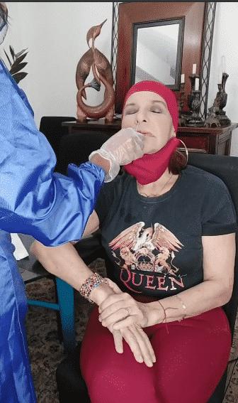 Amanda Gutiérrez compartió con sus seguidores de Instagram la prueba del hisopo.