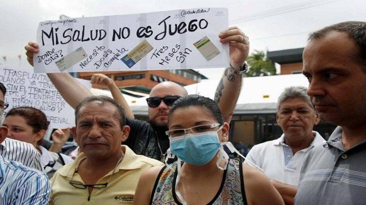 Miguel Perozo es uno de estos pacientes. Denunció, en entrevista con Radio Fe y Alegría Noticias, que la situación se les complicó con el cierre del programa de medicinas de alto costo.