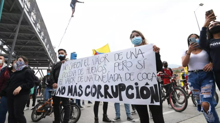van-5-dias-de-disturbios-reportan-17-fallecidos-y-800-heridos-en-protestas-contra-la-reforma-tributaria-de-colombia