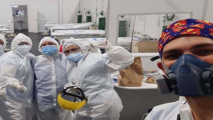 La pandemia del coronavirus facilitó la incorporación al mercado laboral de la migración venezolana al sector salud en América Latina. Reveló el papel esencial que desempeñan como actores de desarrollo en la región, a pesar de ejercer en condiciones poco favorables.