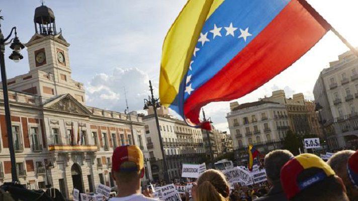 Los venezolanos en España recibirán la vacuna anticovid sin importar su estatus migratorio. El anuncio lo hizo el representante de Juan Guaidó en ese país, Antonio Ecarri.