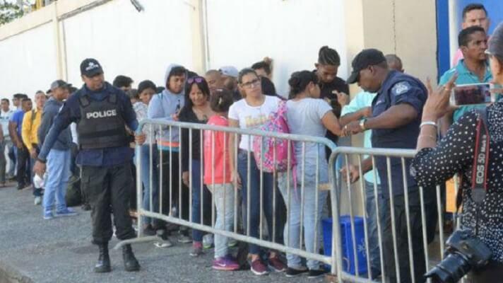 Cientos de venezolanos en Trinidad y Tobago están golpeados por el desempleo y la imposibilidad de pagar la renta. Por ello, las autoridades de ese país los repatriarán a mediados del próximo mes. La crisis desatada por la COVID-19 no da para más y los más afectados son los más vulnerables.