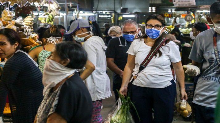 La ONG Médicos Unidos de Venezuela (MUV) alertó este domingo de que la pandemia de la COVID-19 está