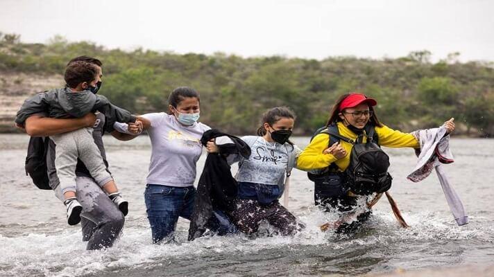 La Patrulla Fronteriza ha logrado encontrar a 7.484 venezolanos a lo largo de la frontera entre Estados Unidos y México. Según la agencia AP, este balance significa que han pasado más venezolanos en un mes que en los últimos 14 años. Mientras que de enero a mayo, ya van 17.306 venezolanos que han cruzado ilegalmente la frontera.