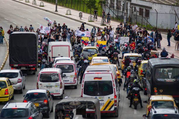 Bloqueos generan pérdidas económicos y violan derechos de colombianos asegura Iván Duque