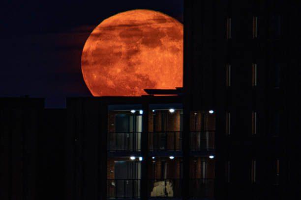 Superluna de fresa maravilla al munso este 24 de junio. Es la mpas grande y brillante del 2021