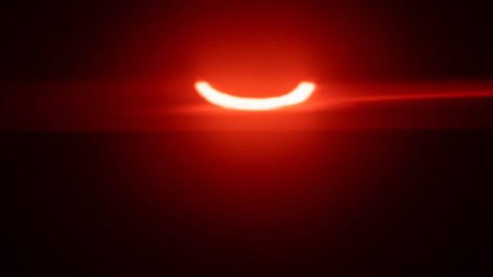 un-anillo-de-fuego-en-el-cielo-eclipse-solar-parcial-se-dejo-ver-desde-canada-siberia-y-europa