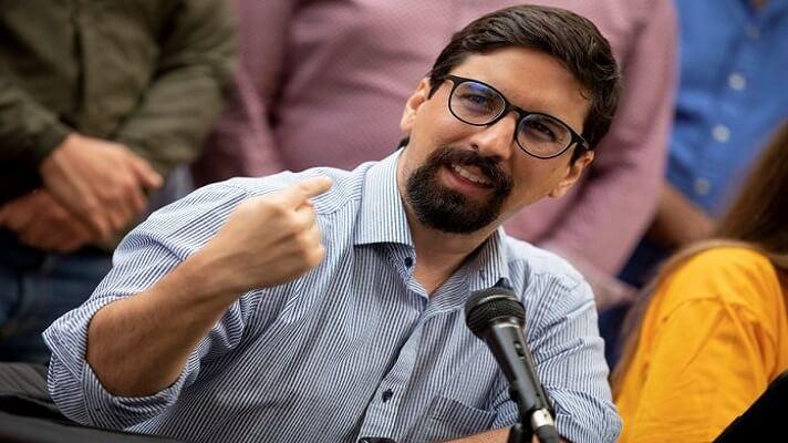 El dirigente Freddy Guevara cree que la oposición debe contar con una una tarjeta unitaria, si decide participar en las megaelecciones regionales del 21 de noviembre.