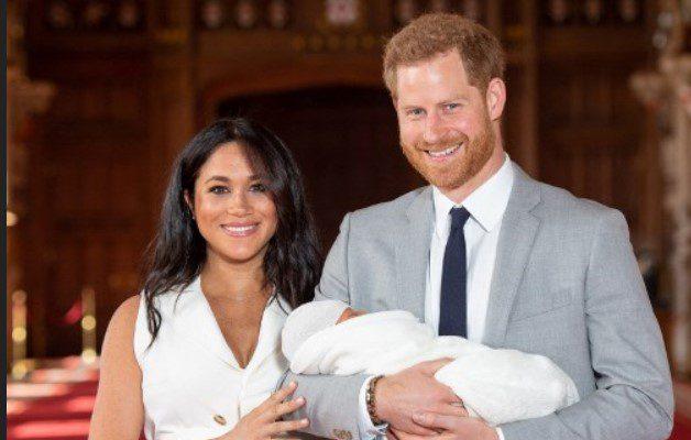 Corona británica celebra nacimiento de Lilibet Diana