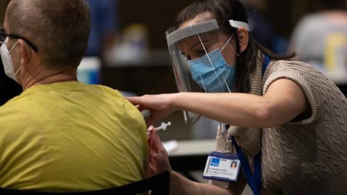 el-mundo-se-inmuniza-al-menos-2-000-millones-de-dosis-de-vacunas-contra-la-covid-19-han-sido-inyectadas