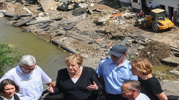 europa-del-oeste-devastada-merkel-recorre-zona-de-inundaciones-que-dejan-al-menos-190-muertos