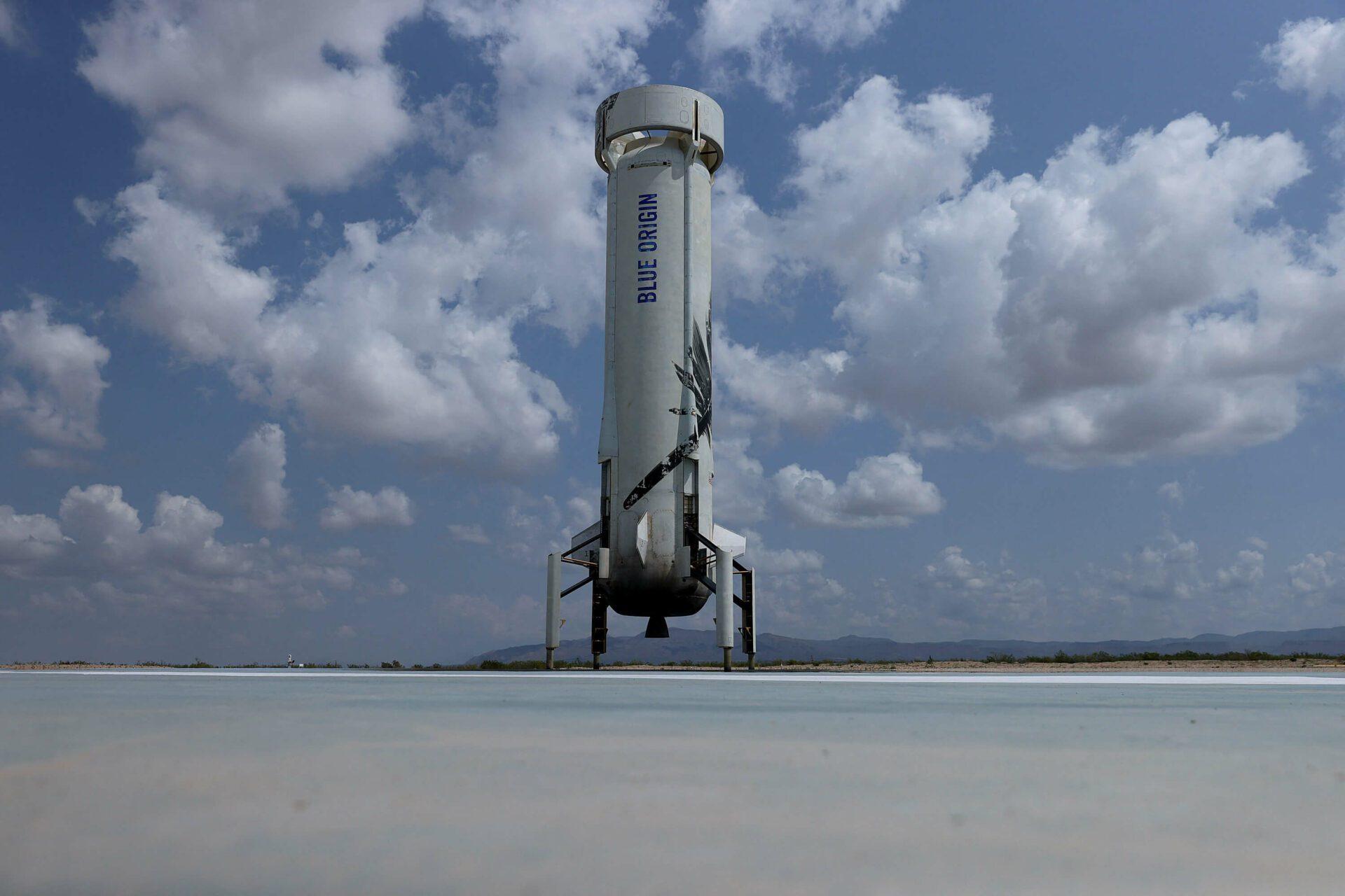 La nave en la que Jeff Bezos viajó por 11 minutos al borde del espacio