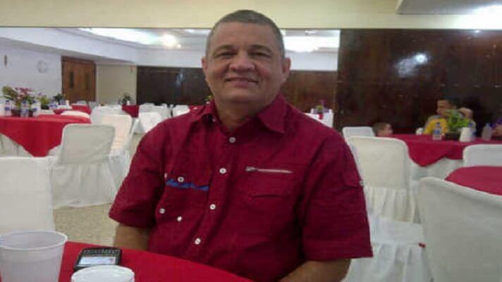 Henry Barrueto alcalde chavista del municipio Simón Bolívar, en el estado Zulia, denunció represalias en contra. Al parecer, no apoyó al gobernador Omar Prieto en las postulaciones para las primarias del Psuv y le pasaron factura.