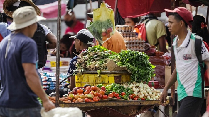 Un venezolano común no puede pagar los casi 300 dólares o el casi millardo de bolívares que costaba la Canasta Alimentaria Familiar. La cifra de 928.333.143,02, que costaron los alimentos básicos para una familia de 5 miembros, la dio a conocer el Cendas-FMV.